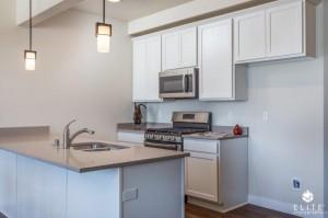 Kitchen- middle unit