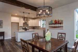 Pinewood Dining/Kitchen