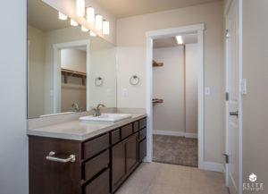 Master Bath/Closet- middle unit