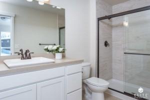 Master Bathroom- middle unit