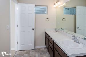 Irontree Triplex- Hall bathroom