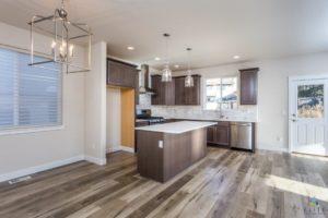 Cedar Kitchen/Dining Area