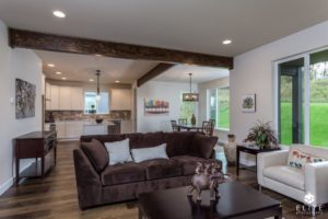 Pinewood Living/Dining Area