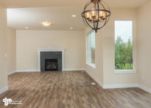 The Grand Oak- Living Room/Dining Room